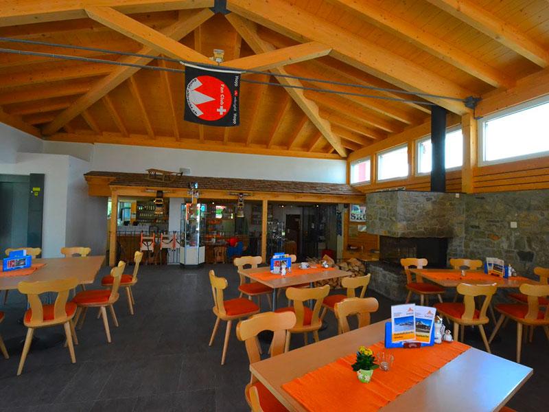 Restaurant Shop Bergfreund mit Bar Fiescheralp Kühboden